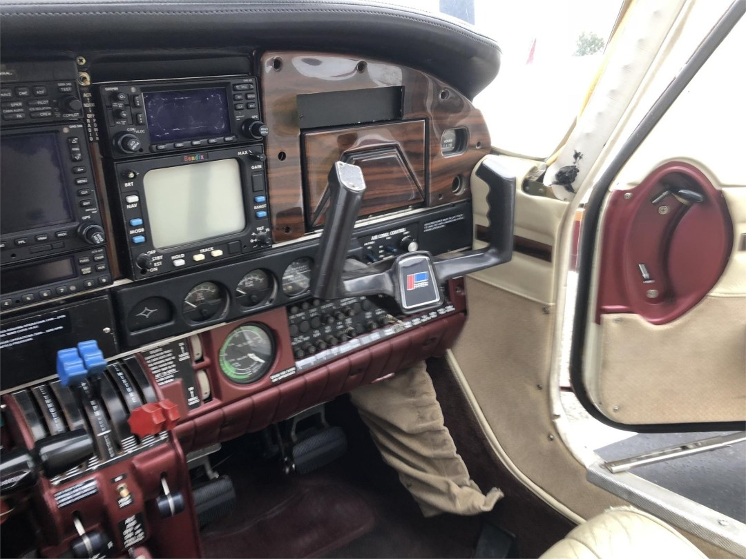 1979 PIPER SENECA II co-pilot instrument view