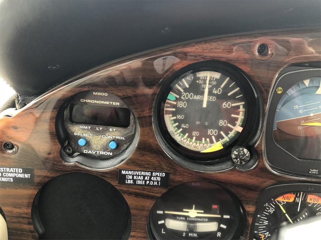 1979 PIPER SENECA II pilots instruments close up