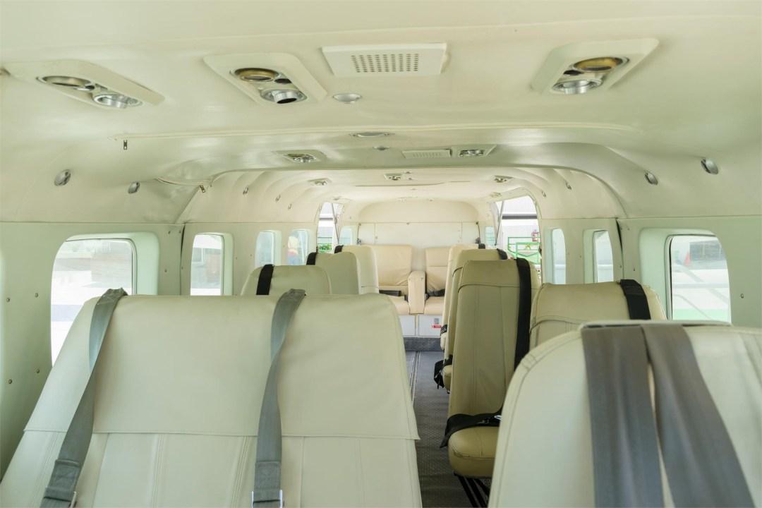 2002 CESSNA CARAVAN 208B GRAND long cabin view top of seats