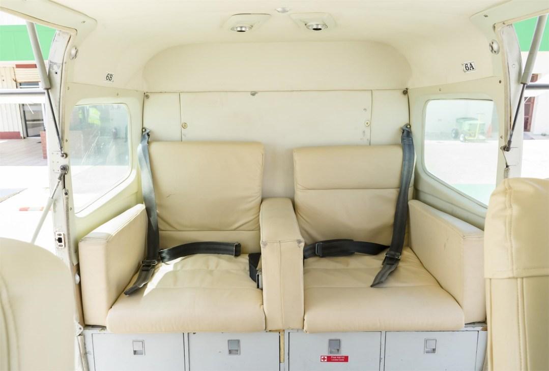 2002 CESSNA CARAVAN 208B GRANDrear cabin seats