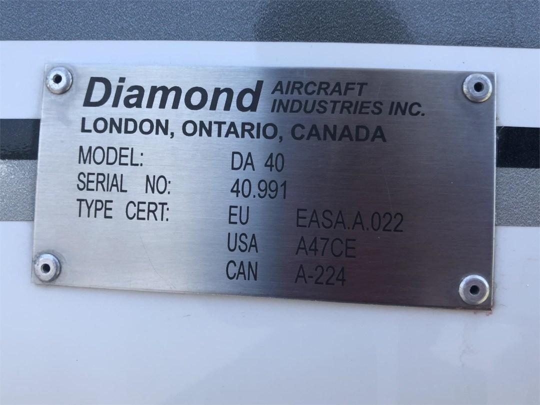 2008 DIAMOND DA40 XLS ID plate