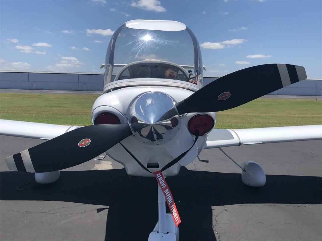 2008 DIAMOND DA40 XLS propeller front view