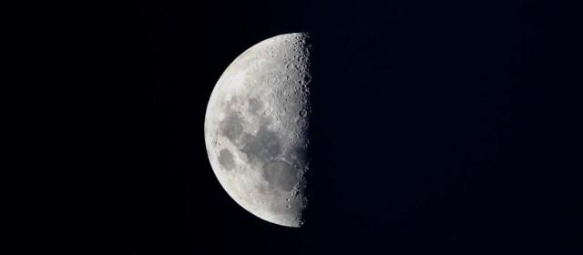 Hasil gambar untuk darkside of the moon