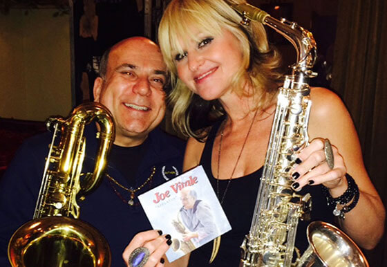 Joe Vitale playing with Mindi Abair