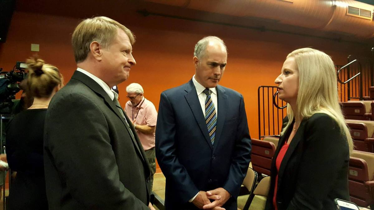 County Executive Rich Fitzgerald talks with U.S. Senator Bob Casey and Ross resident Michelle Schwartzmier.