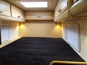 519 mercedes sprinter motorhome fixed bed