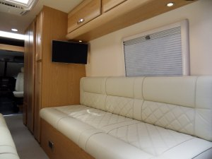 Mercedes motorhome Avtex HD TV