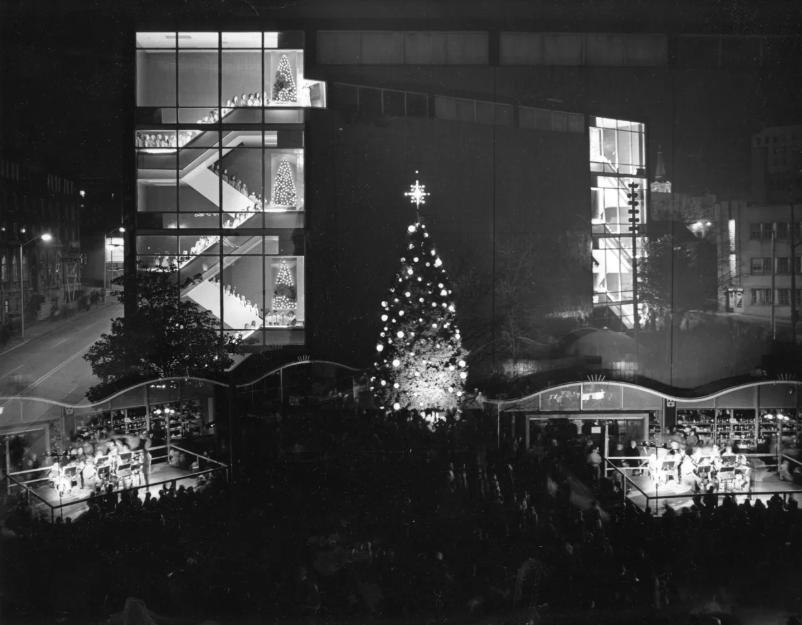 richs-dept-store-christmas-1971-celebration