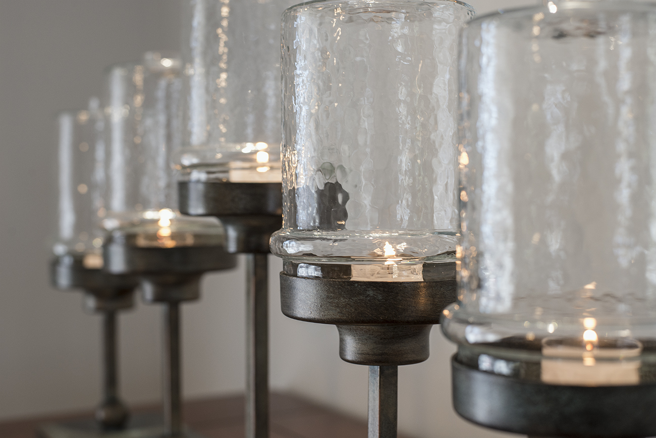 Modernized Candle Feature