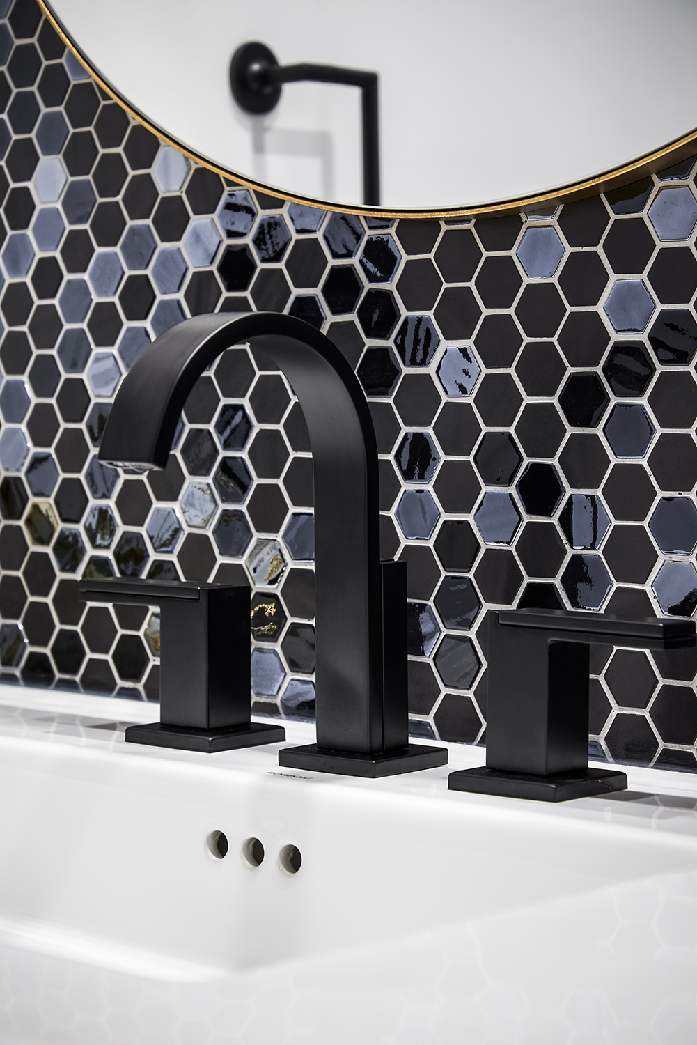 Contemporary Matte Black Faucet set, China Sink and Feature Backsplash Tile