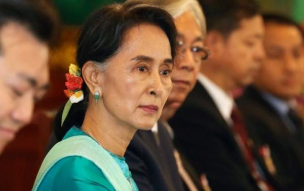 97160745_epa05291572-Visiting-Myanmar-Foreign-Minister-and-State-Counselor-Aung-San-Suu-Kyi-front-an-large_trans++eo_i_u9APj8RuoebjoAHt0k9u7HhRJvuo-ZLenGRumA