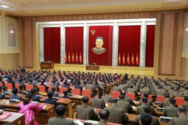 North Korean leader Kim Jong Un (C) attends the 3rd Meeting of Activists in Fisheries under the Korean People's Army (KPA) in this undated photo released by North Korea's Korean Central News Agency (KCNA) in Pyongyang December 29, 2015.     REUTERS/KCNA