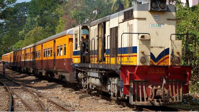yangon-circle-train-2