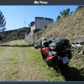 moto aparcada en A Paciega