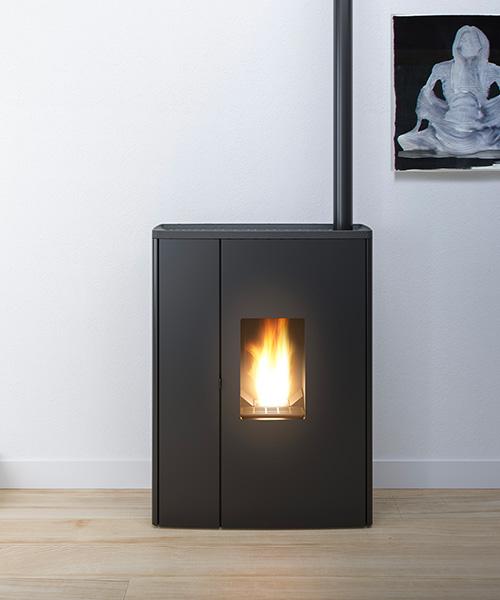 È inoltre estremamente discreta e si presenta in un design moderno ed elegante. Stufe A Pellet Moderne Mcz
