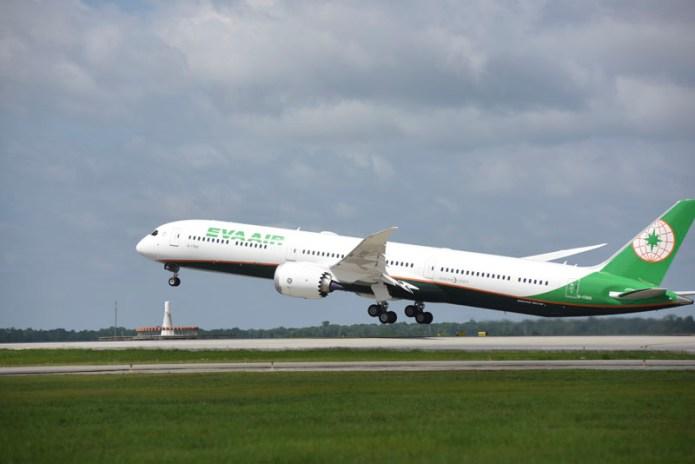 EVA 787 10 Delivery 098