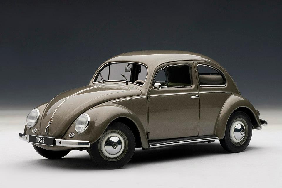 AUTOart 1955 Volkswagen Beetle Kafer Limousine  Polaris Silver 79777 in 118 scale  mDiecast