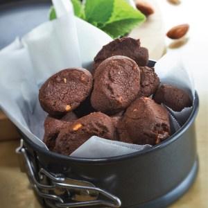 Pink Himalayan Sea Salt Chocolate Almond Cookies (喜马拉雅盐巧克力杏仁饼干)