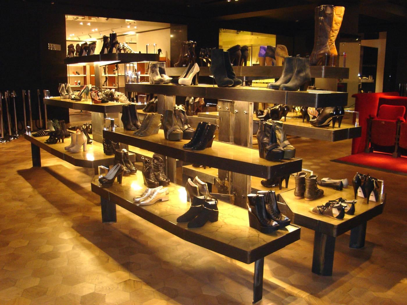 MDM Props Retail Shoe Displays