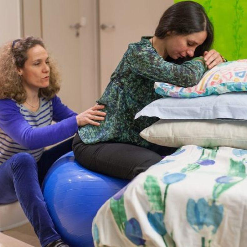 Accompagnement à la naissance personnalisé © Julie Balagué