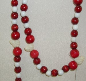 27-28-84.  Cranberry and Popcorn Garland  (27 is 15' long, 28 and 84 are 8' long)
