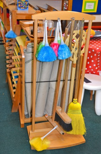lower-primary_meadowbrook-montessori-primary-school_warfield_dsc_6416e_cleaning-tools_r