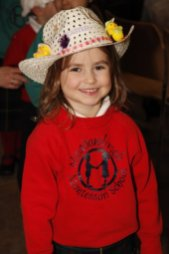 meadowbrook-montessori-primary-school-berskhire_events_warfield-church-easter-parade-monica-88