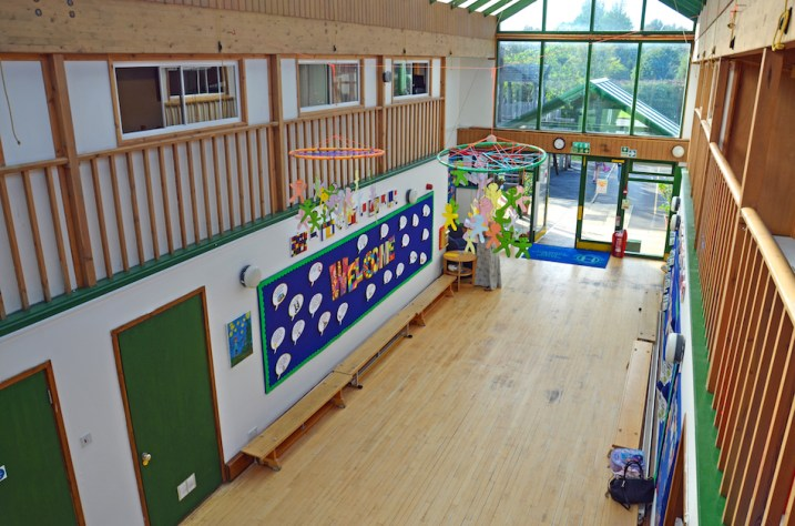 atrium_meadowbrook-montessori-primary-school_warfield_dsc_6437e_r