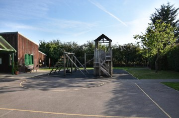 outside-space_meadowbrook-montessori-primary-school_warfield_dsc_6492_r