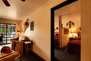 The Explorer Suite at Meadowbrook Resort & DellsPackages.com in Wisconsin Dells