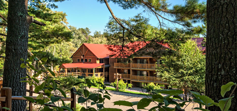 The Tall Timber Lodge at Meadowbrook Resort & DellsPackages.com in Wisconsin Dells