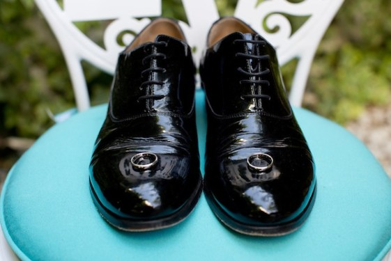 groom shoes destination wedding parker palm springs_meadowsevents.net