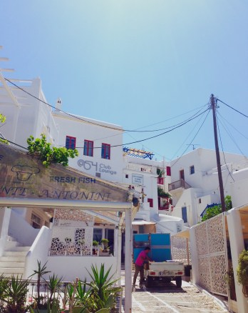 Taking Topdeck | Mykonos and Athens