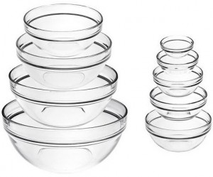 This 9 piece mixing bowl set from Luminarc is our recommended mixing bowl pick.