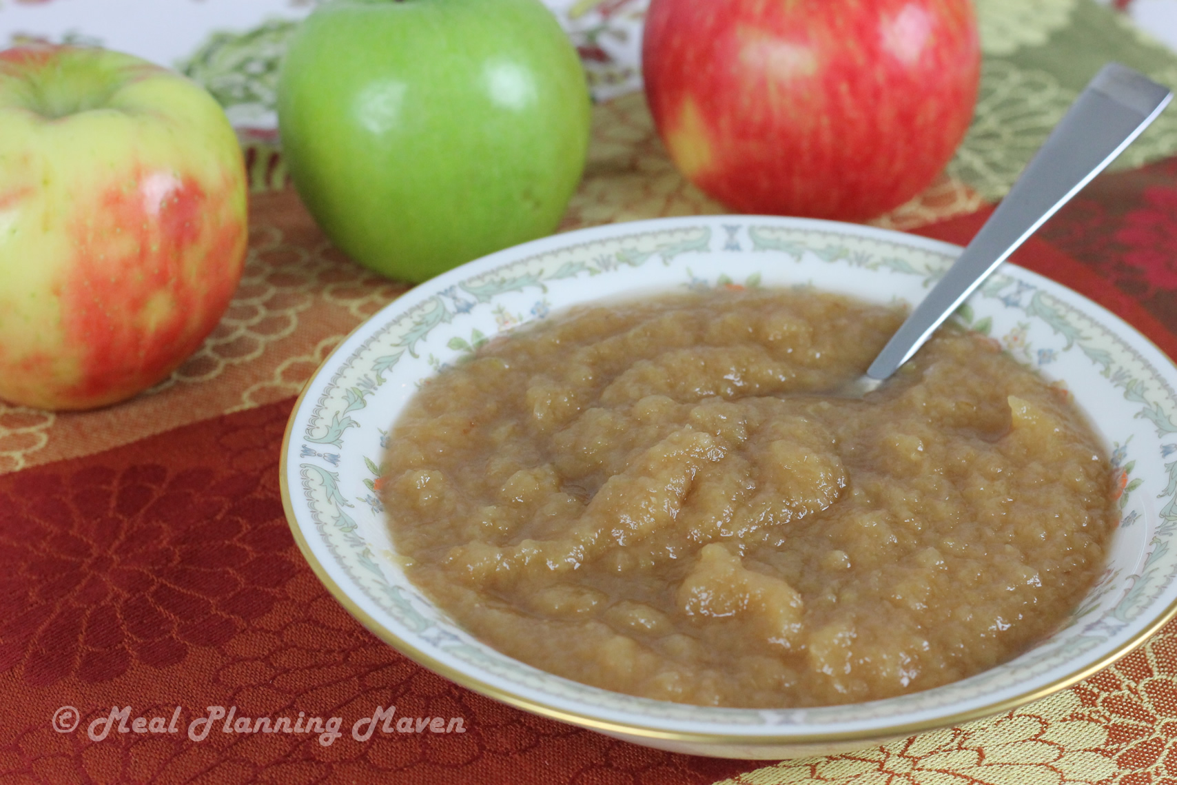 No-Fuss Crockpot Applesauce