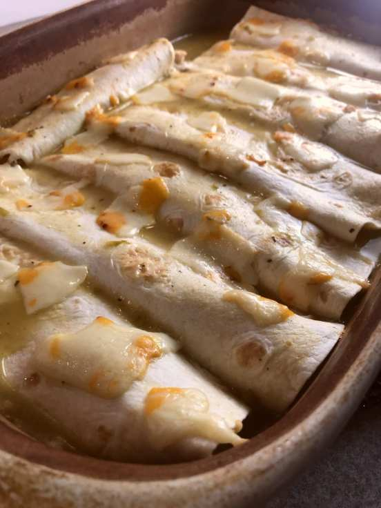 Weight Watchers friendly Smothered Chicken Verde Burritos on Meal Planning Mommies