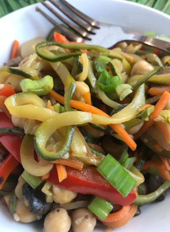 Close up picture of Alisha's Vegetarian Honey Teriyaki Stir Fry.