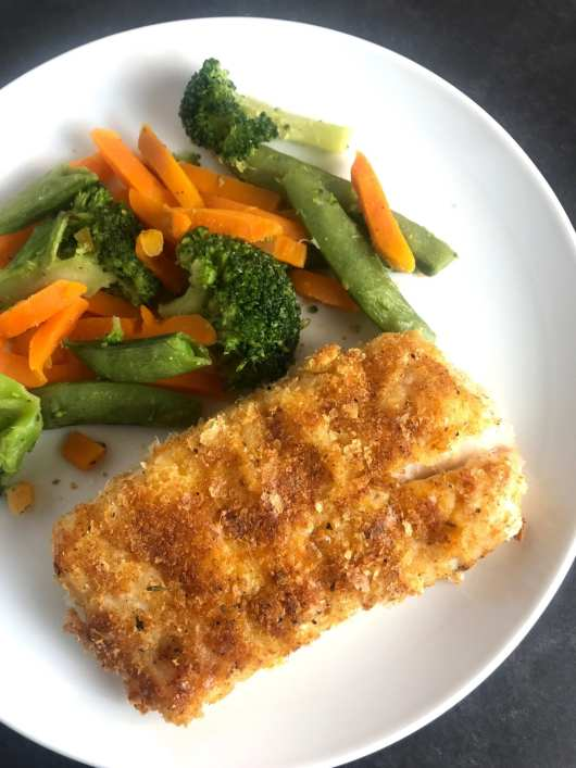 This Potato Crusted Cod recipe is 4 WW SP per serving and is part of meal plan #44 on Meal Planning Mommies.