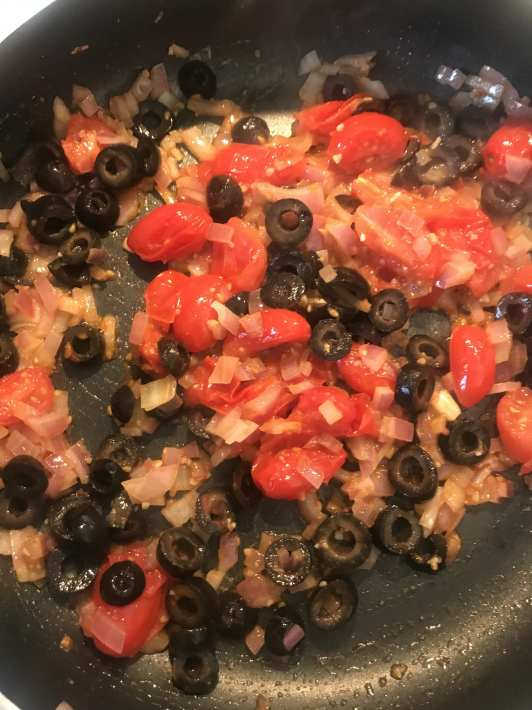 Topping ingredients for delicious Greek chicken