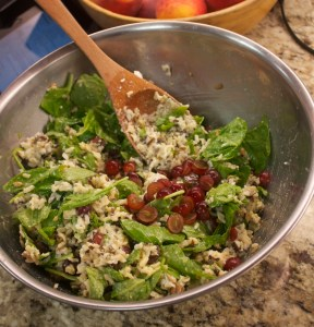 Brown rice salad with grapes