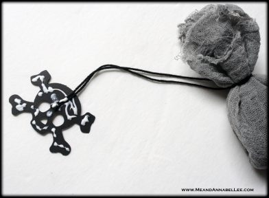 DIY Gothic Black Tea Bags with Skull Tags | How to make homemade Tea Bags | Die Cut Skulls | Goth-it-Yourself gift ideas |Tea Party or Wedding Favors | Me and Annabel Lee