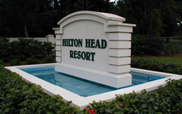 hilton-head-resort-front-sign_800x500