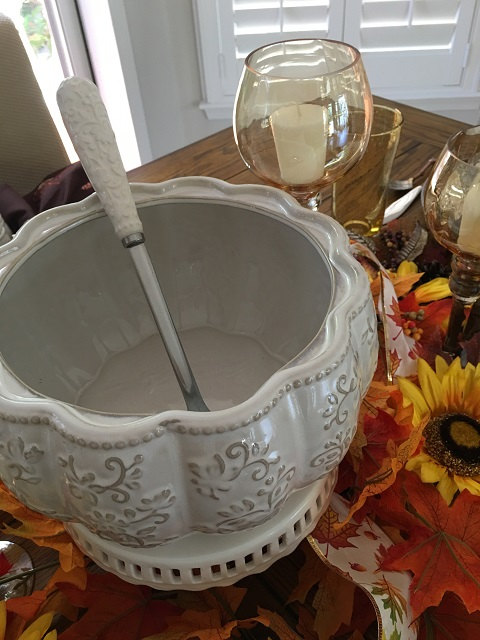 Blog - White pumpkin tablescape12