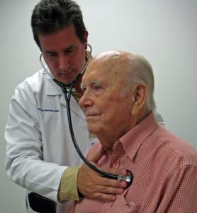 רופא וחולה רפואי