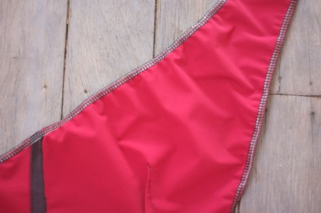 9 sewn in elastic