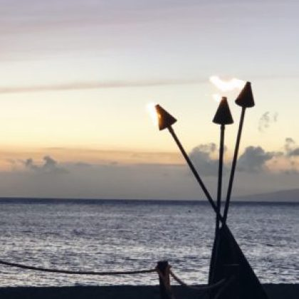tiki torches sunset ka'anapali beach