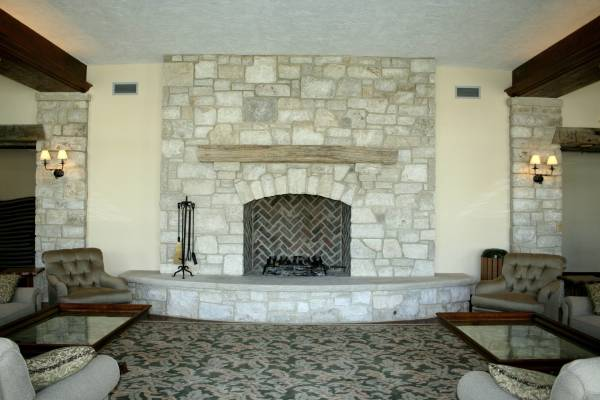 Raised hearth fireplace