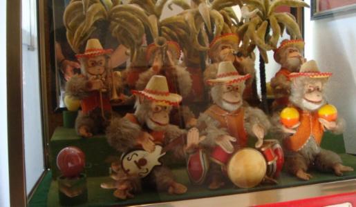 Bimbo Box _____  Kleines Museum fr Aufziehspielzeug