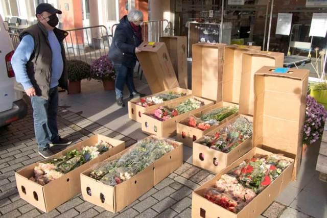 De Vliegende Hollander schenkt duizenden bloemen aan Hof van Egmont