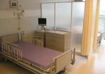 病室(4人床)